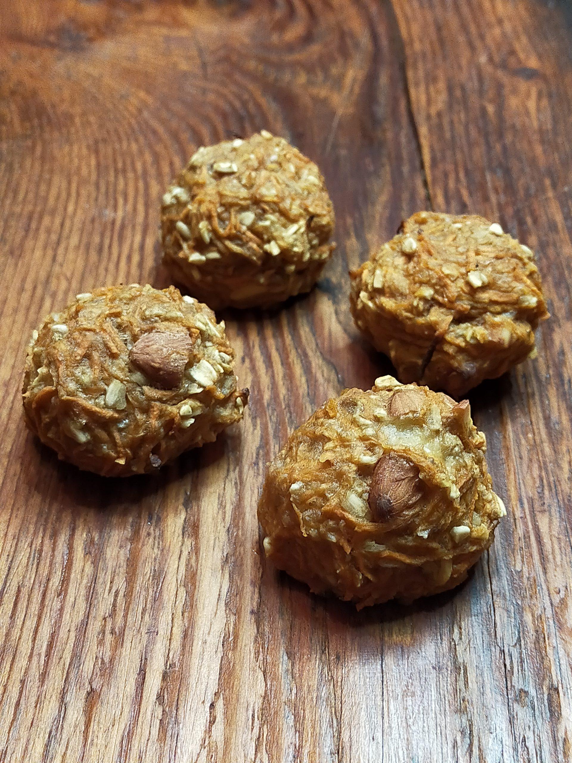 Ciasteczka dyniowo-marchewkowe z migdałami